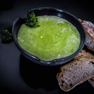 Brokkoli-Gorgonzola-Suppe
